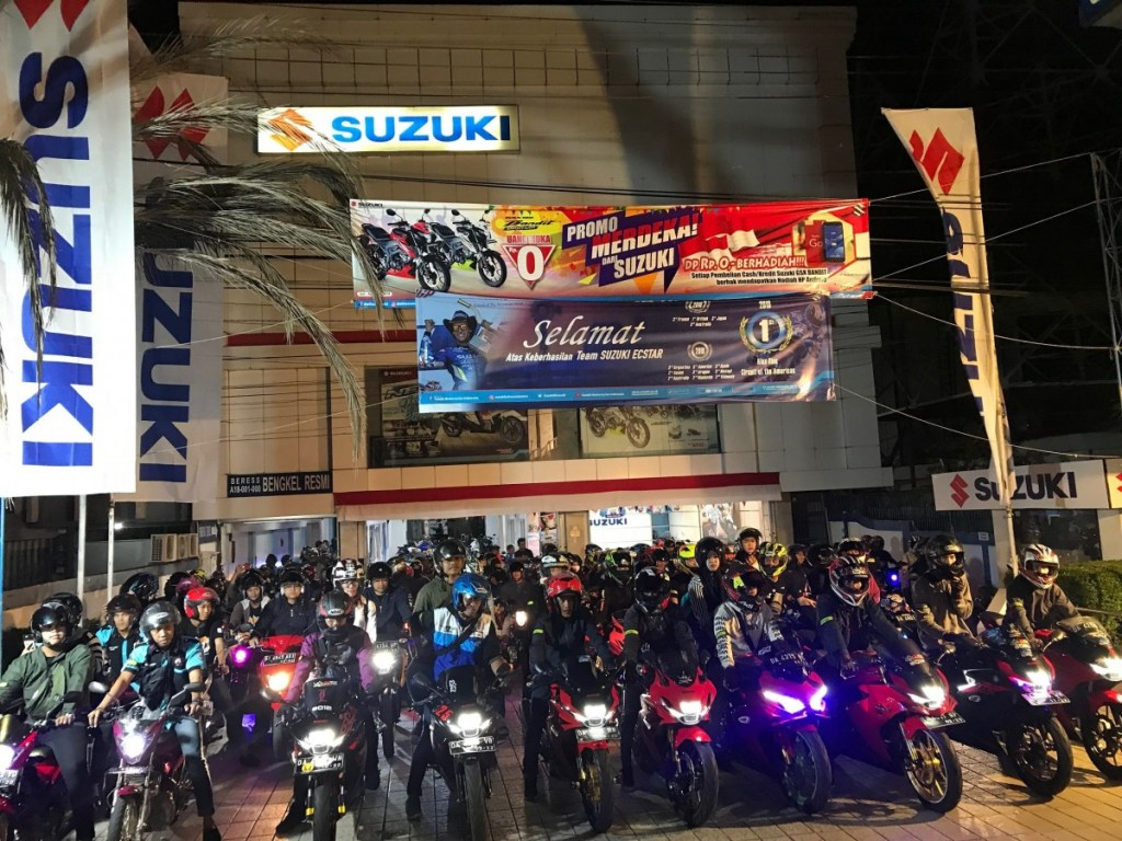Ratusan Bikers Banjamasin Meriahkan Suzuki Satuday Night Ride