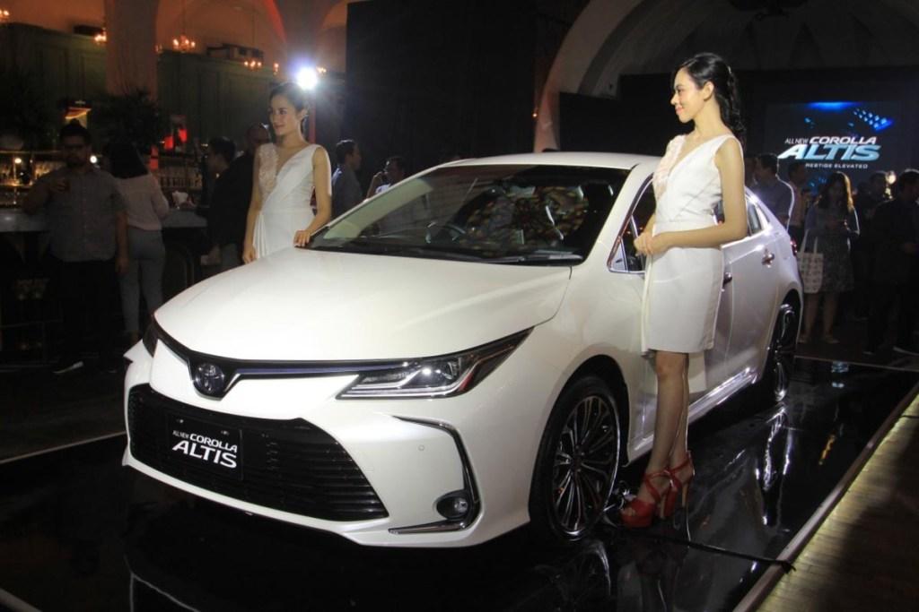 Toyota Corolla Altis Tak Lagi Kejar Anak Muda