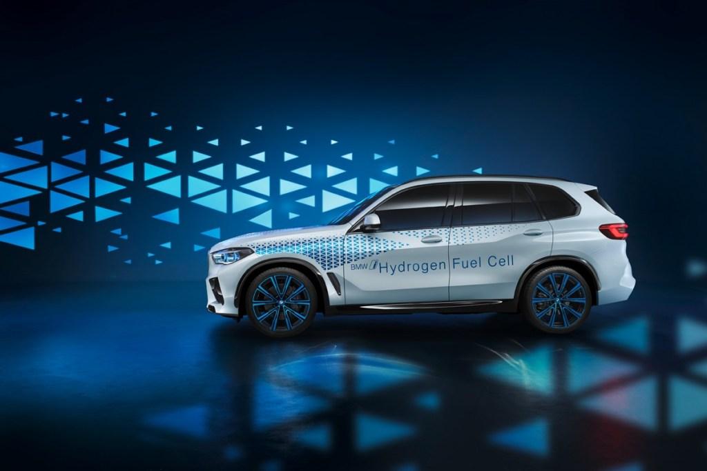 BMW Ingin Tahun 2021 ada 1 Juta Unit Mobil Listrik di Jalanan