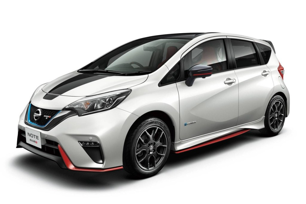 Nissan Note Nismo Black Edition Tampil Lebih Sporty