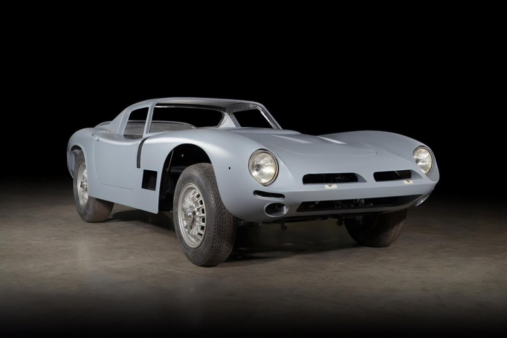 Bizzarrini 5300 GT Strada ini Raih Restoration of the Year 2019