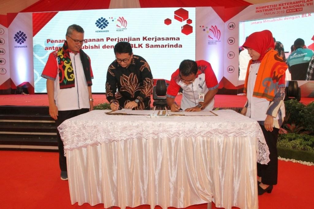 MMKSI Serahkan Pajero Sport kepada Balai Latihan Kerja di Samarinda