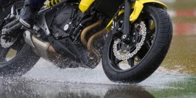 Ini 11 Hal Yang Wajib Diperhatikan Bikers Saat Musim Hujan