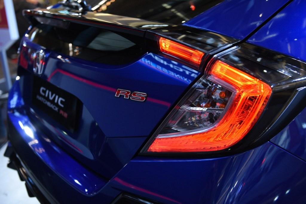 Honda Civic Hatchback RS Tampilan Baru, Hapus 2 Varian