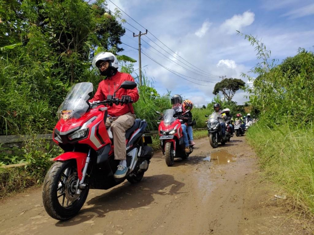 Komunitas Honda ADV150 Lestarikan Warisan Angklung