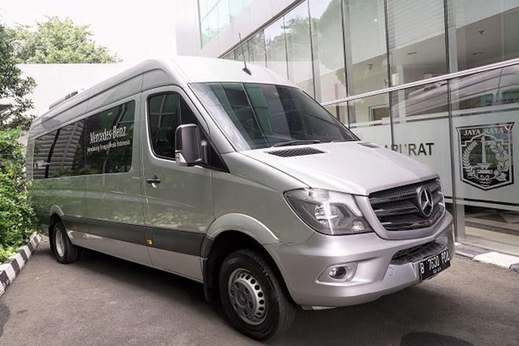 Ambulans Mercedes-Benz Untuk Dinas Kesehatan DKI Jakarta