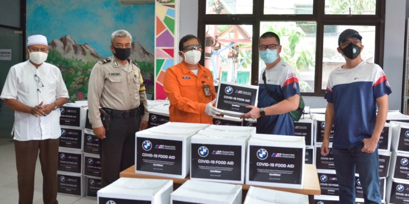 CSR Care4Water, BMW Group dan MOCI Salurkan Paket Sembako