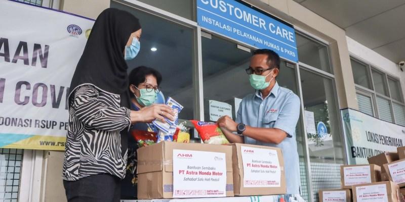 AHM Bagi 990 Sembako untuk Pendukung Petugas Medis
