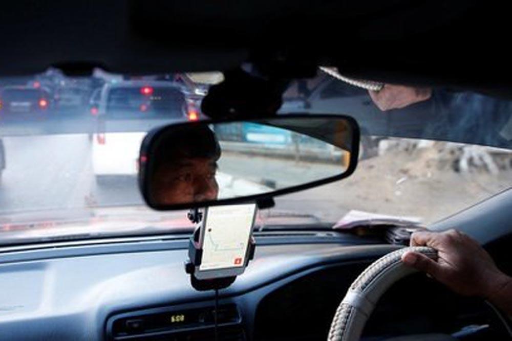 Mobil Pribadi Jadi Taksi Online Bisa Hanguskan Asuransi