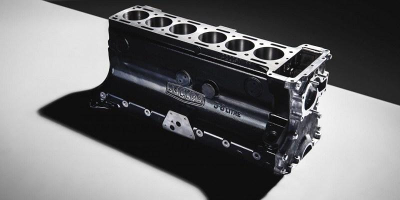 Jaguar Classic Produksi Ulang Mesin Enam Silinder