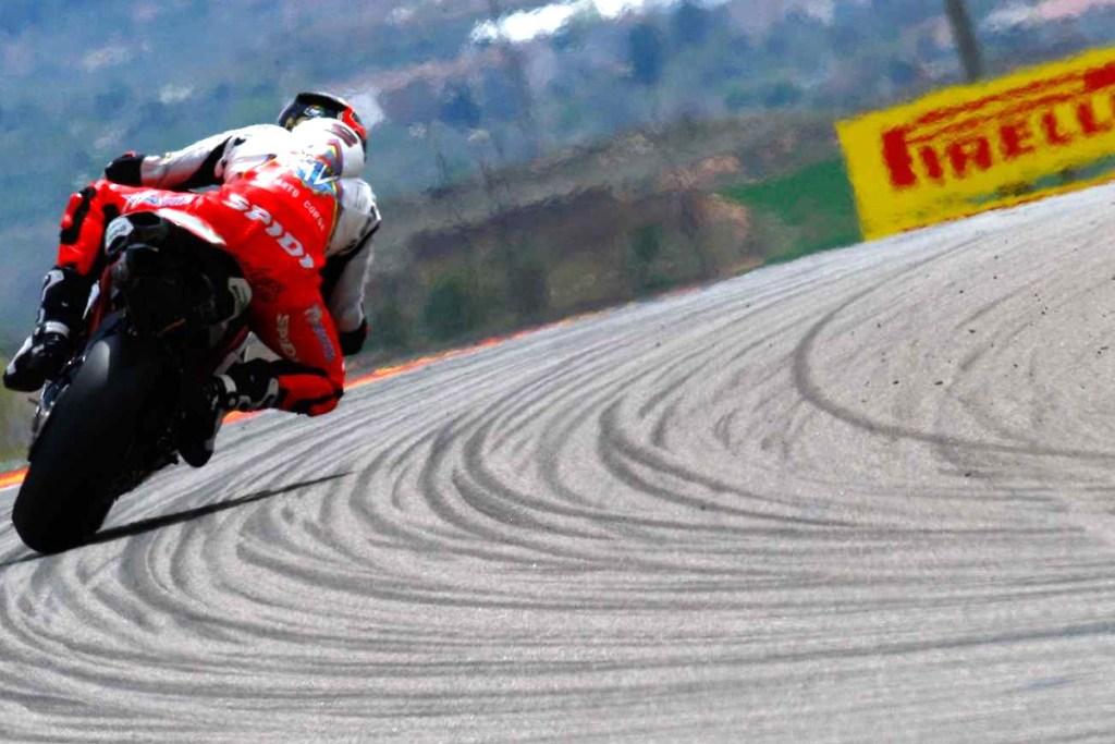 Pirelli Diablo Rosso SportKini Tersedia Untuk Motor Harian