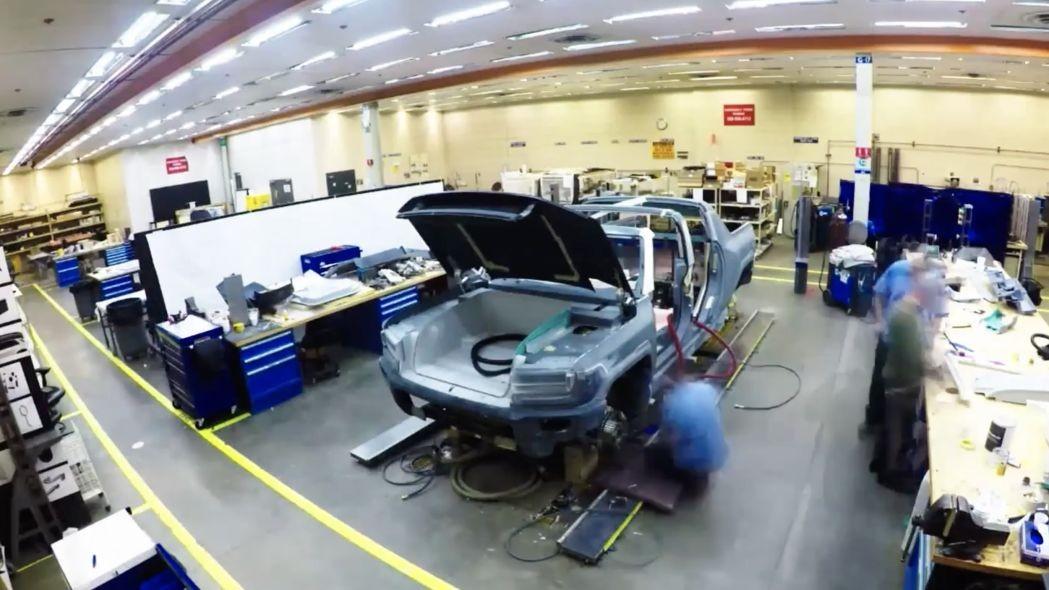Hummer Siap Kembali Sebagai Mobil Listrik