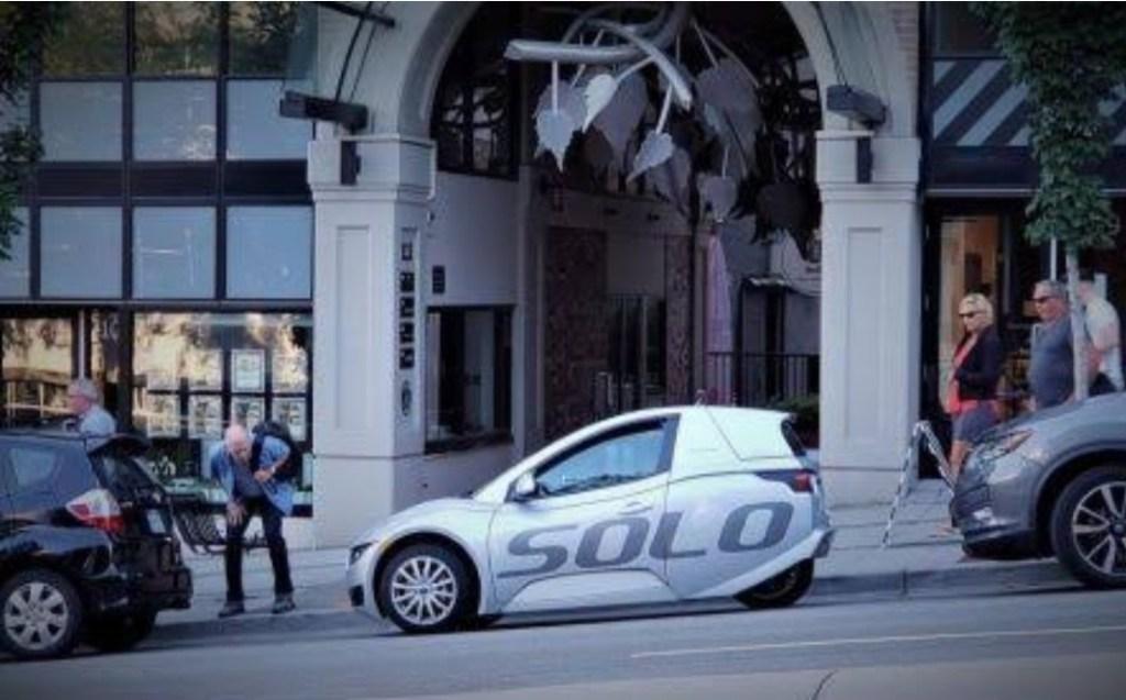 SOLO, Desain Three-Wheeler Unik Untuk Sebuah Mobil EV