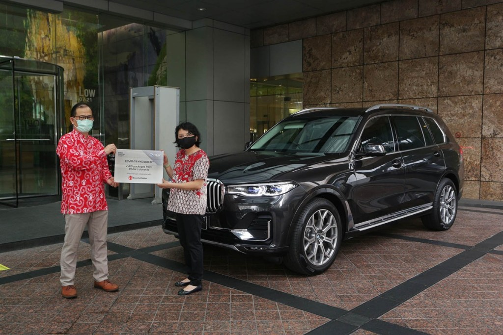 BMW Group Indonesia Donasikan 2500 Paket Sanitasi Anak