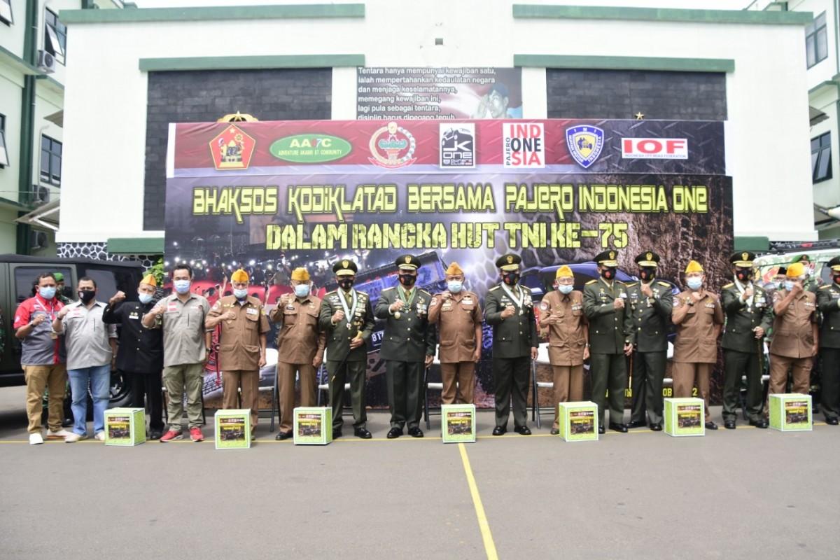 Kodiklatad dan Komunitas Pajero Indonesia One Gelar Bakti Sosial Untuk Veteran, Warakawuri dan Kaum Dhuafa