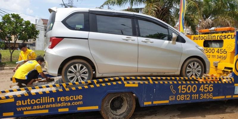 Mobil Terendam Banjir, Ini Cara Mudah Ajukan Klaim Autocillin