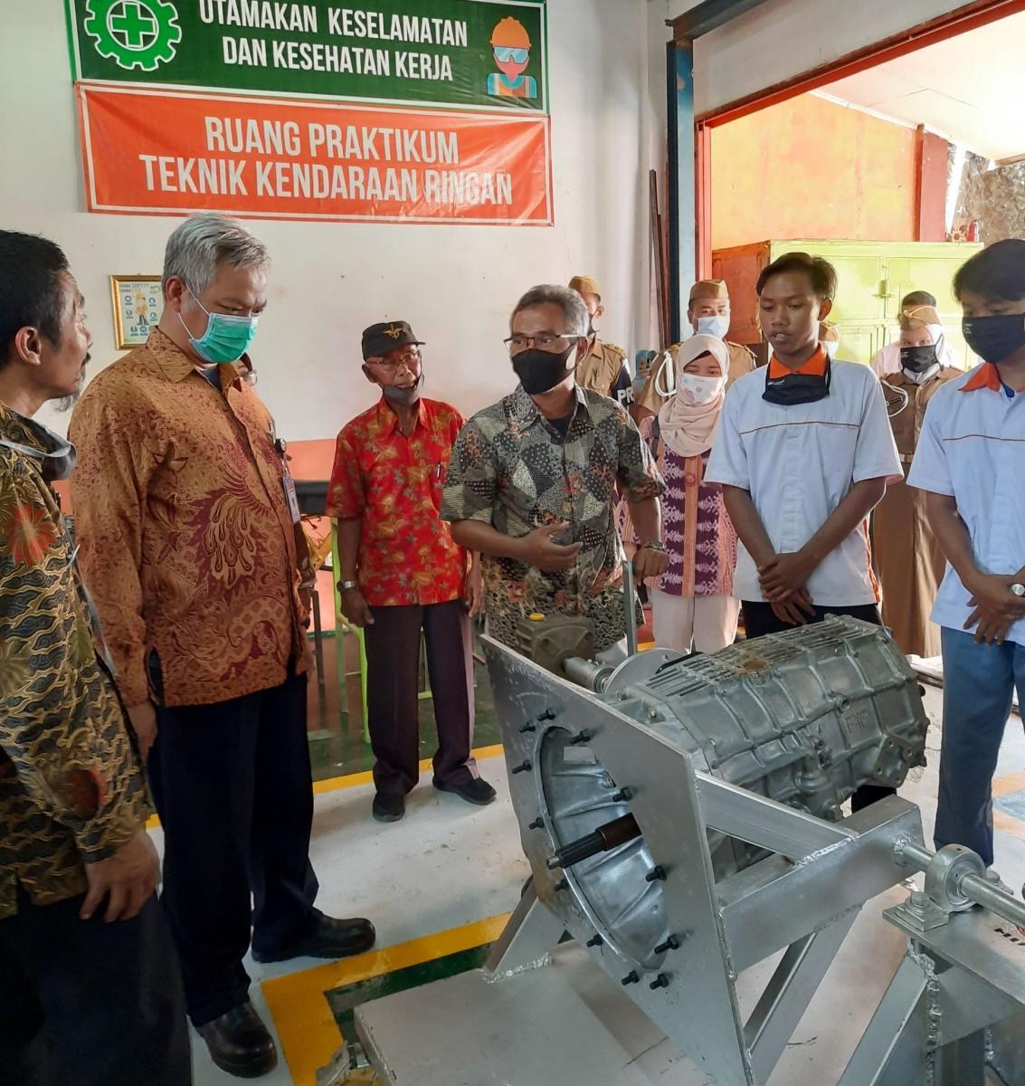 Hino Indonesia Dukung Pengembangan dan Kemajuan Dunia Pendidikan di Indonesia