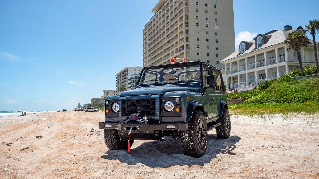 Land Rover Defender Project CL, Andalan Anak Pantai
