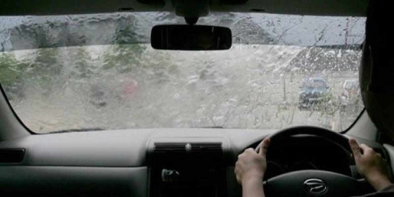 3 Tips Berkendara Aman dan Nyaman Ketika Hujan