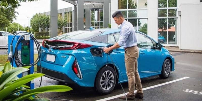 Toyota Indonesia Siap Produksi Hybrid EV Secara Lokal