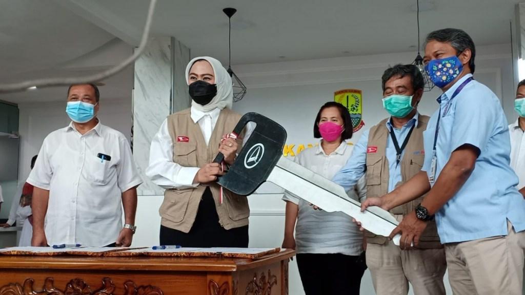 Daihatsu Donasikan Mobil Klinik untuk Kabupaten Karawang