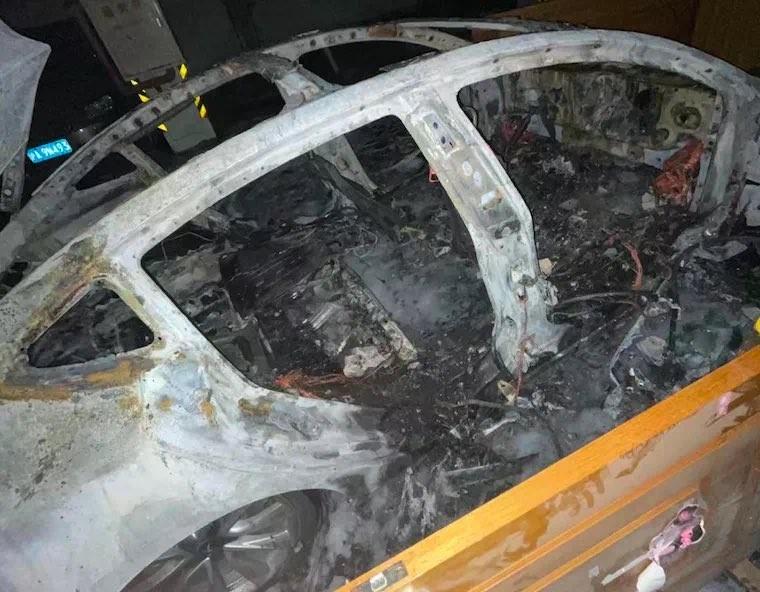 Tesla Model 3 Terbakar Spontan di China, Pabrikan Salahkan Pemakai