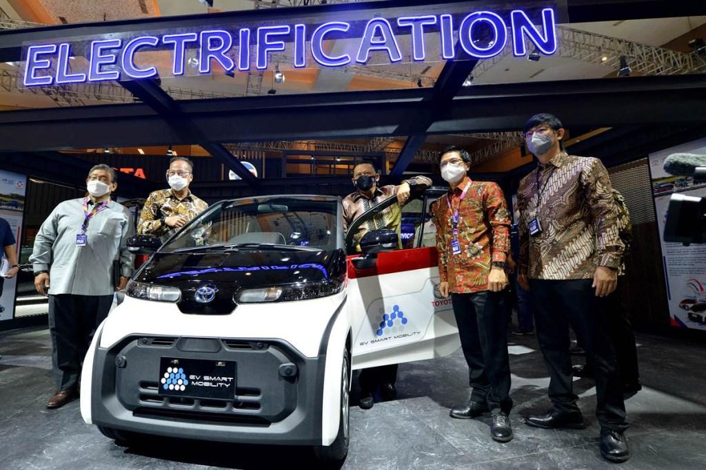 Toyota Hadirkan Teknologi Elektrifikasi Terlengkap di IIMS Hybrid 2021