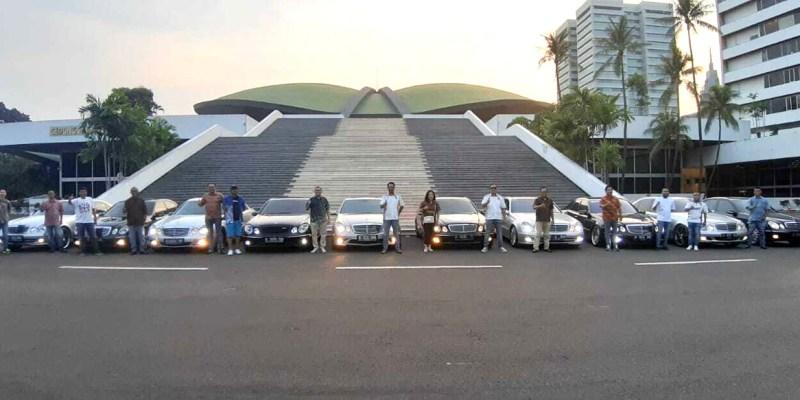 'Mercedes-Benz W211 Club Indonesia Batik Day', WOTR dan Nobar