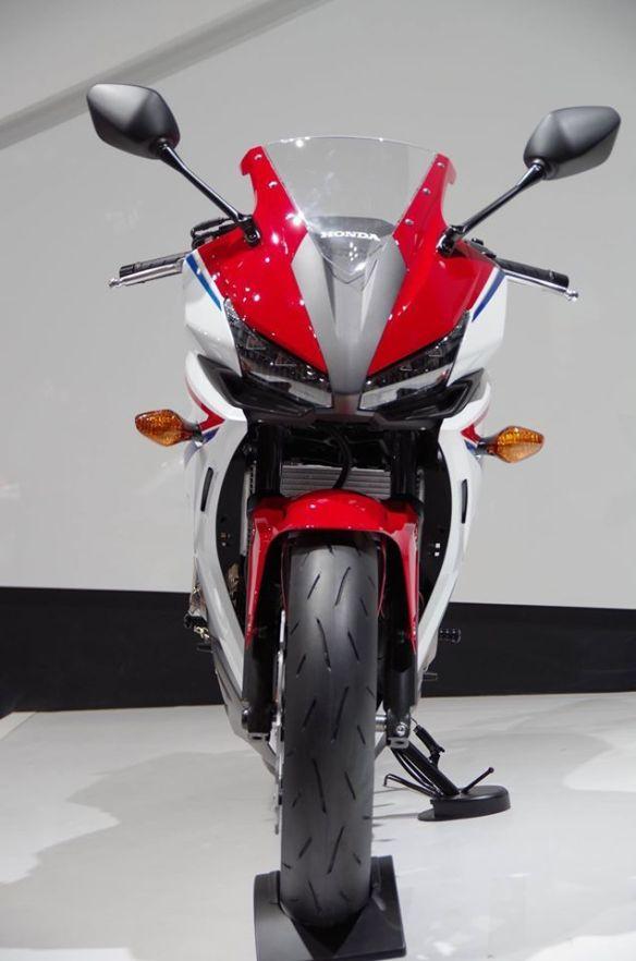 Honda-CBR400R-2016-6