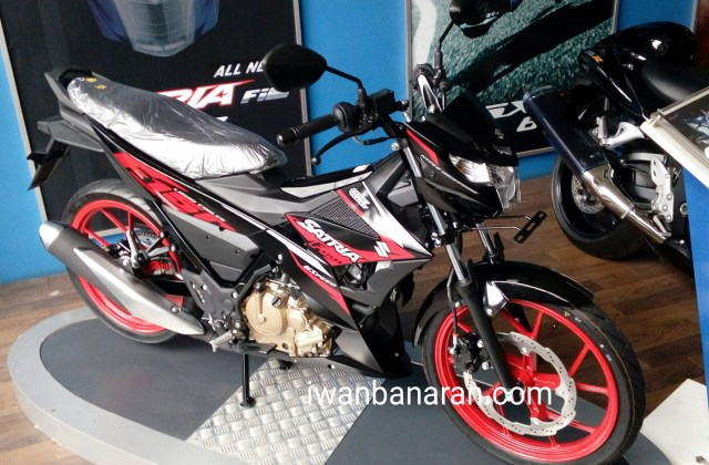 Titan black/Solid black Velg Red