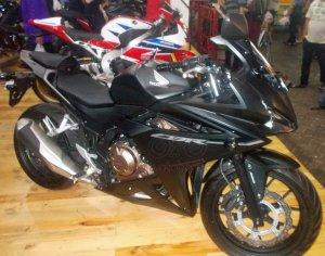 Honda CBR500F Kanan