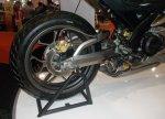 Yamaha R15 V-Rossi ban belakang