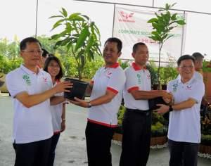 Wuling Motors CSR Tanam 1000 Pohon