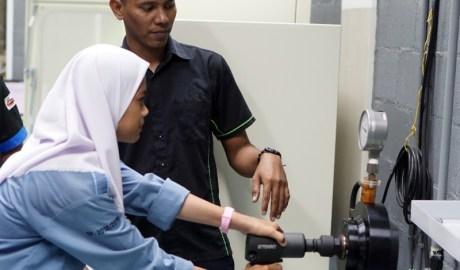 Tekiro Tools Membuka Kantornya Untuk Kunjungan Siswa SMK Cikarang Barat