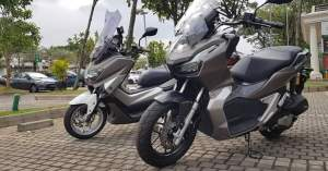Yamaha NMax VS ADV150 Bukan Lawan Kecuali ...