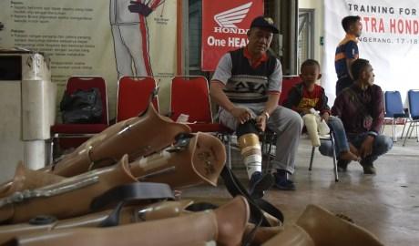 Yayasan Wahana Artha Berbagi Bantuan Kaki dan Tangan Palsu Kepada 140 Penyandang Disabilitas Tidak Mampu