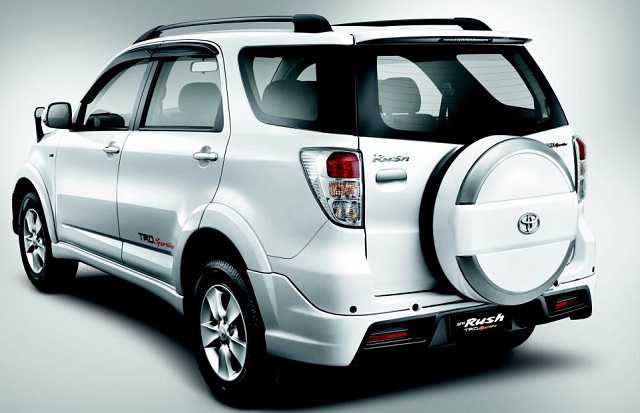 Kelebihan dan Kekurangan Toyota Rush Lengkap