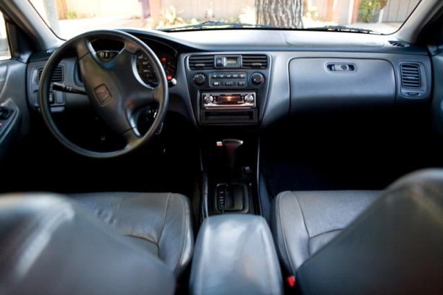 Kelebihan dan Kekurangan Sedan Honda Accord 1999