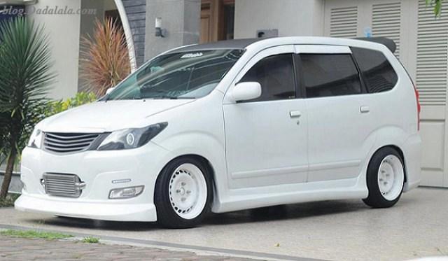 50 Modifikasi Mobil Avanza Veloz Putih Hitam Silver