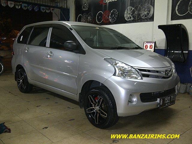 45 Modifikasi Mobil Avanza Veloz Putih Hitam Silver