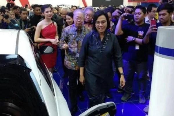 Jokowi Dikabarkan Akan Mengumumkan Langsung Aturan Mobil Listrik