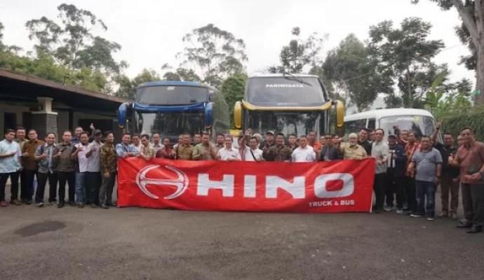 Hino Gelar Road Test Hino Bus RN dan FC Bus Bersama Customer di Bandung