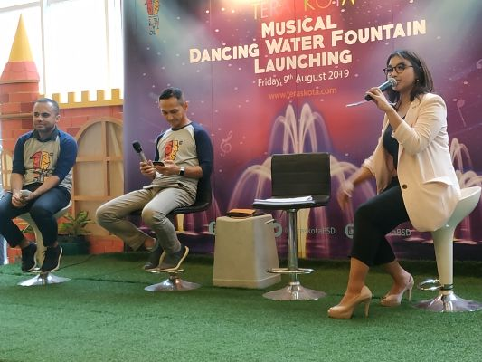 Satu Dekade Mall Teraskota Hadirkan Wahana Musical Dancing Water Fountain dan Program CSR