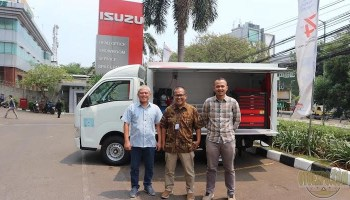 Astra Isuzu Berikan Spesial Program Pelanggan Bengkel Di Harpelnas