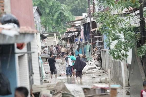 Orami Donasikan Popok dan Susu Untuk Korban Banjir Bekasi