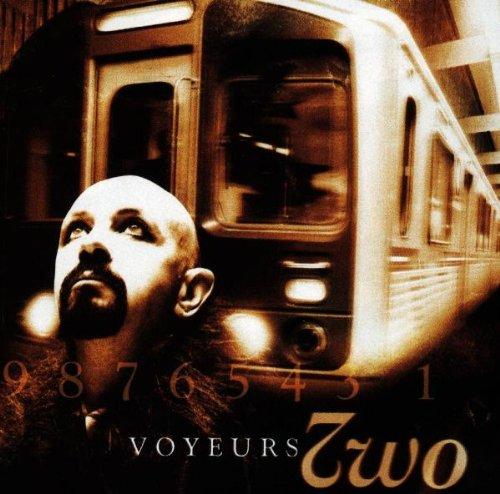 TWO_Voyeur
