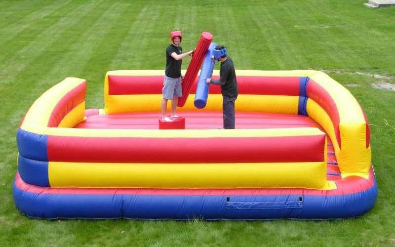 Gladiator je napihljivo igralo za team building dogodke.