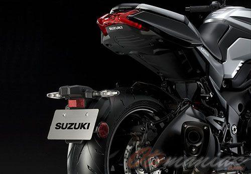 Desain Buritan Suzuki Katana