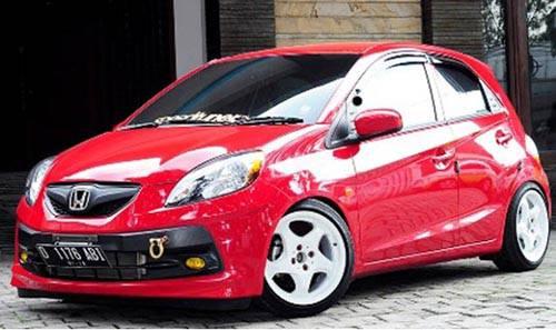 Foto Modifikasi Honda Brio Merah