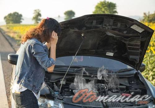 10 Penyebab Mesin Mobil Cepat Panas dan Cara Mengatasinya